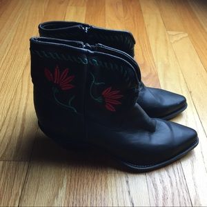 Code West Shoes - Vintage Code West Embroidered Black Booties